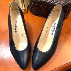 Evan Picone All Leather Pumps With Kitten Heel